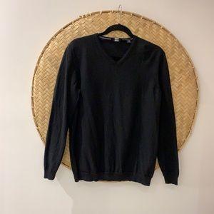Men's Hugo Boss Slim Black Wool V-Neck Sweater.